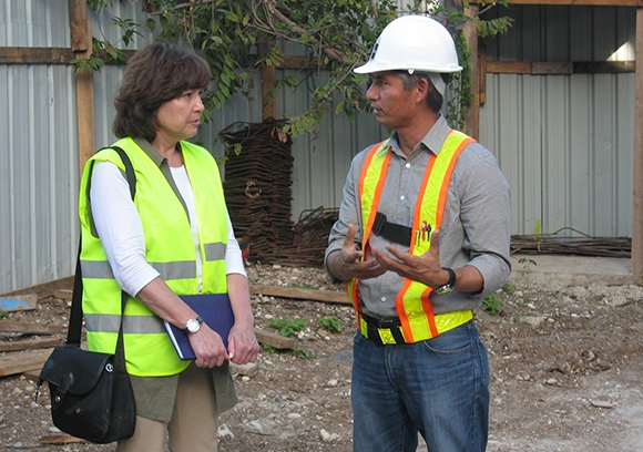 Radio-Canada visits the construction site of Jacmel Hospital in Haiti